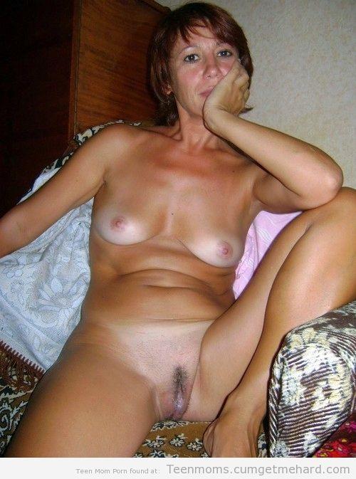 Femme infidèle et perverse veut baiser avec un jeune mec sur le 06 en journée
