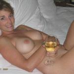 Femme infidèle et perverse veut baiser avec un jeune mec sur le 39 en journée