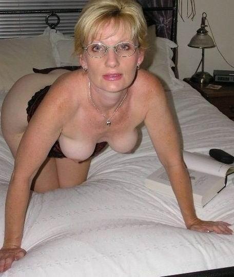 Femme infidèle et perverse veut baiser avec un jeune mec sur le 47 en journée