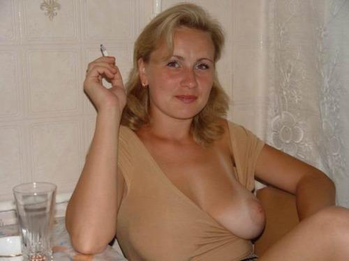 mère au fouyer du 24 veut découvrir le sexe anal