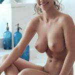 jeune mariee nue pour sodomie dans le 45