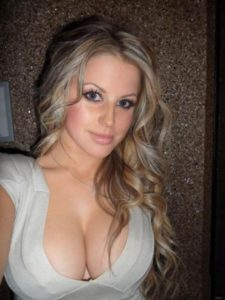 Echange photo porno et moment sexe avec une jeune épouse 39