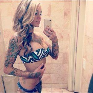 Jeune femme infidèle du 18 pour baise porno et sodomie