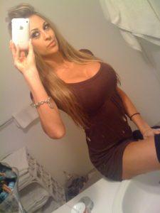 Jeune femme infidèle du 22 pour baise porno et sodomie