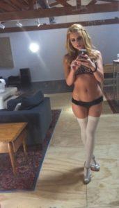 Jeune femme infidèle du 29 pour baise porno et sodomie