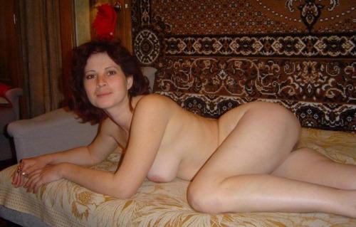 Femme infidèle et perverse veut baiser avec un jeune mec sur le 21 en journée