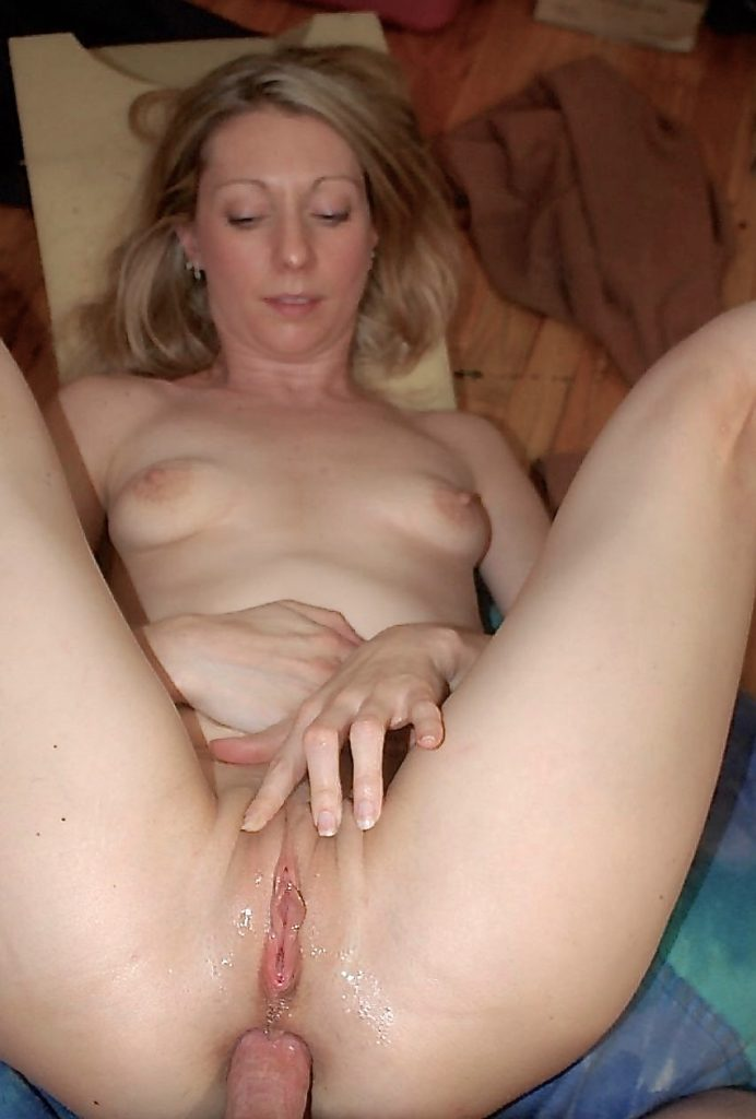 Wife surprises her husband with a blowjob