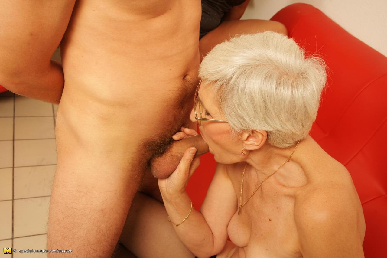 Maman Salope Nue Baise 074